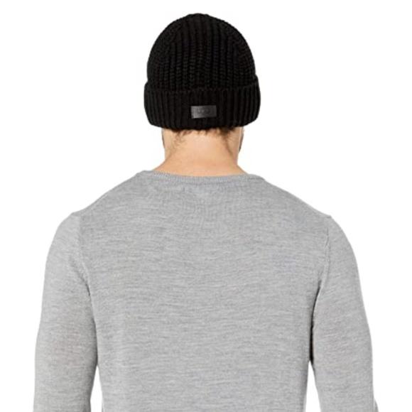 NWT UGG Solid Rib Knit Beanie
